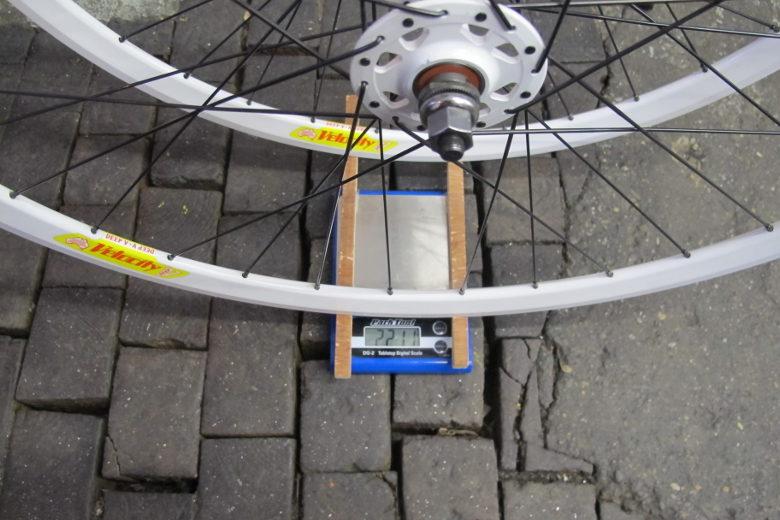 Radsatz 28″ Velocity weiss