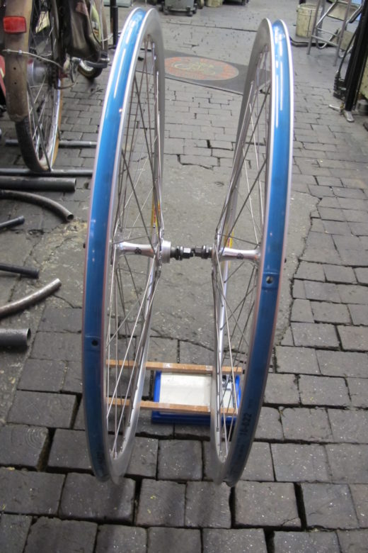 Radsatz 28″ Velocity silber