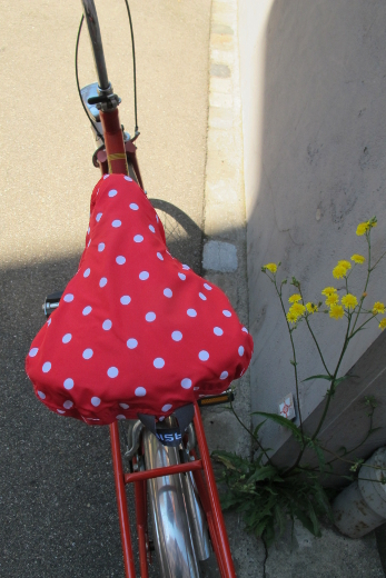 Basil Polkadot Saddle Cover
