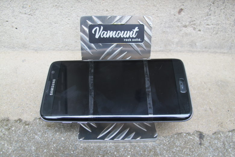 Vamount – The Sleek Phone Mount