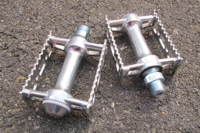MKS Sylvan Stream Pedal silber