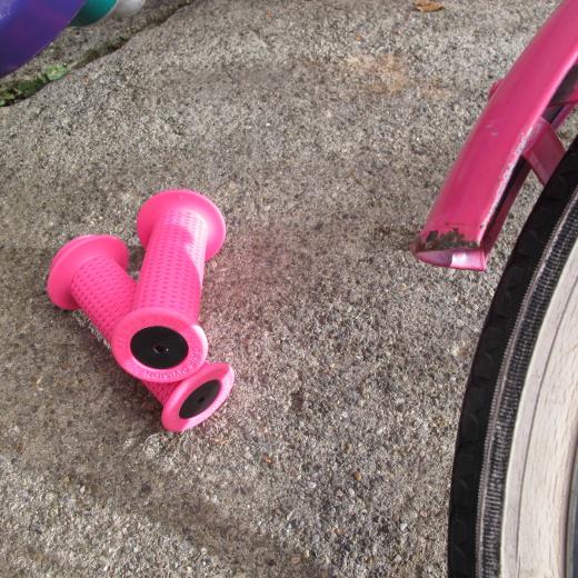 Grip Division Kids Grips Evo 2 neon pink