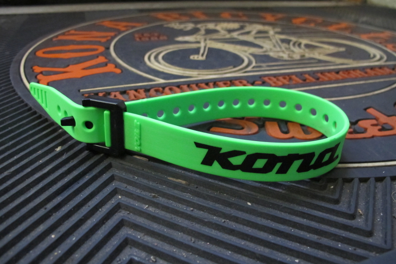 Voile Straps® 15″ Green with Kona Logo