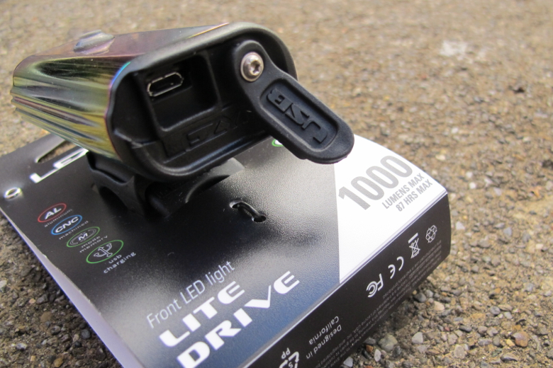 LEZYNE Lite Drive 1000XL Neo Metallic
