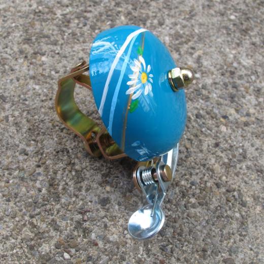 Crane Handpainted Suzu Bell Margaret Daisy